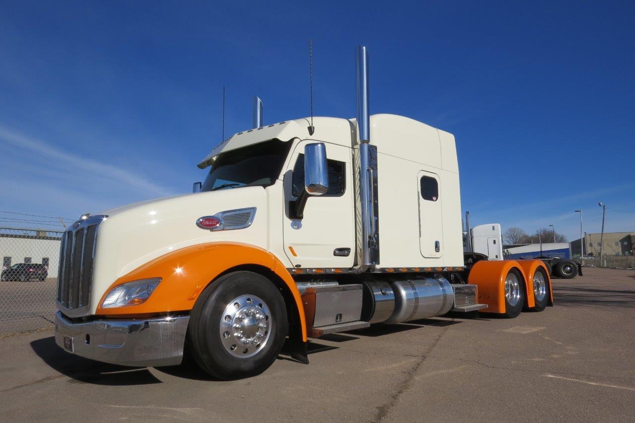 Custom 579 for sale! - Peterbilt of Sioux Falls