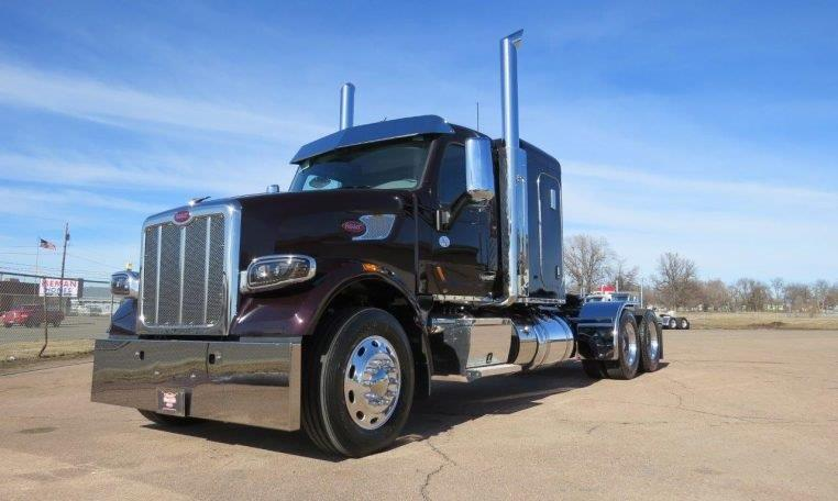 OUR 567 SHOW TRUCK IS FOR SALE! - Peterbilt of Sioux Falls