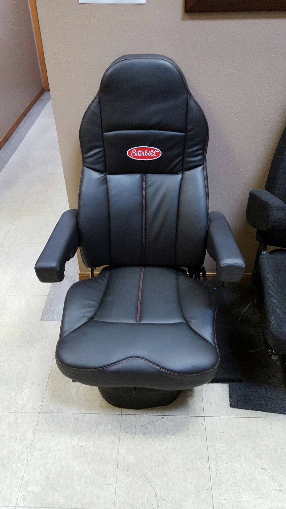 Surprising Many Seats In Stock Peterbilt Of Sioux Falls Ocoug Best Dining Table And Chair Ideas Images Ocougorg